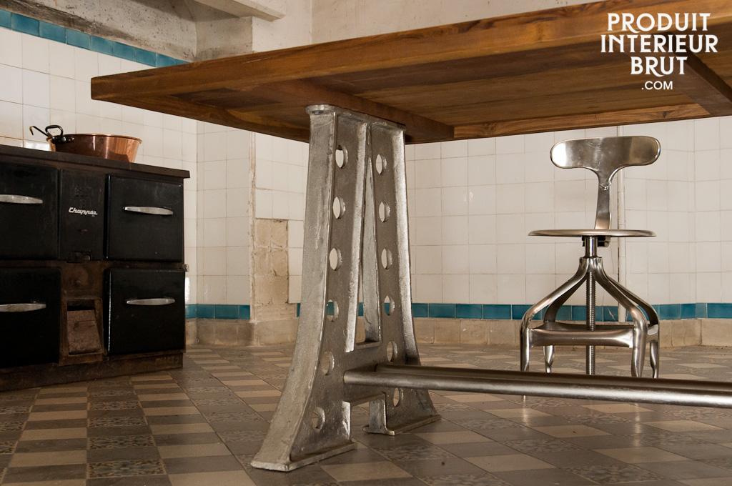 Le club d co 39 zeuses d 39 art design industriel et vintage for Table repas style industriel