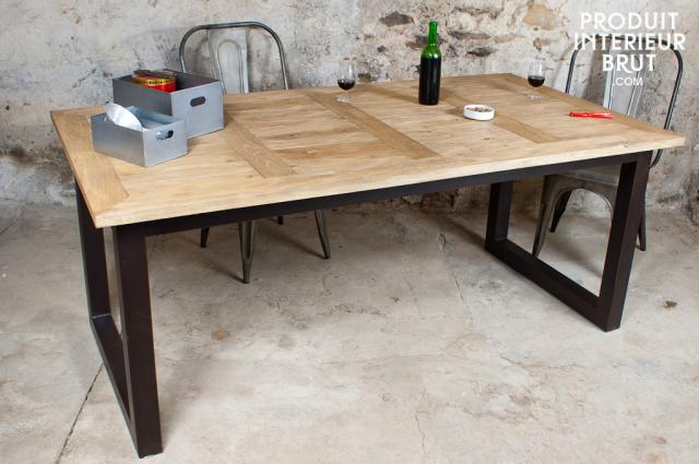 Offrez-vous une table industrielle