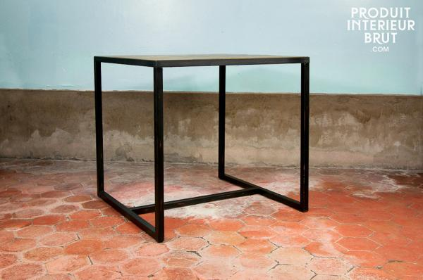 http://www.produitinterieurbrut.com/temp/table-haute-pietement-metallique_0040777_2.jpg