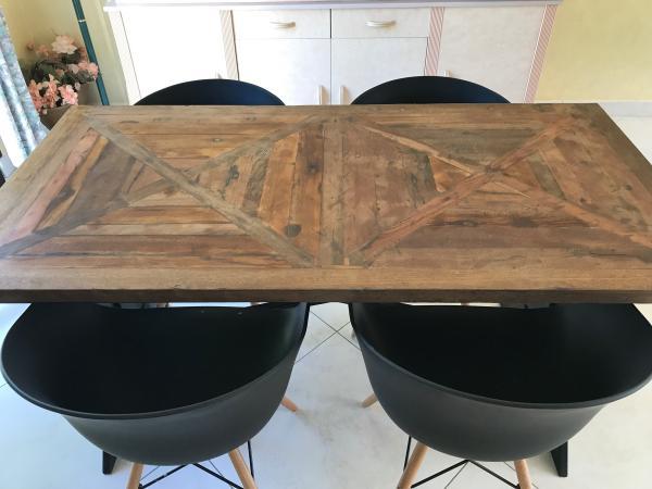 Table Cadé : magnifique dans mon salon, j'adore !