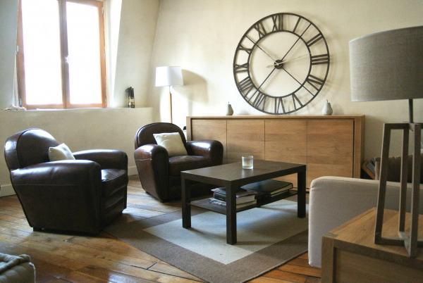 Les fauteuils Cigar Club de PIB sont beaux et tr�s confortables! Parfait pour notre salon!