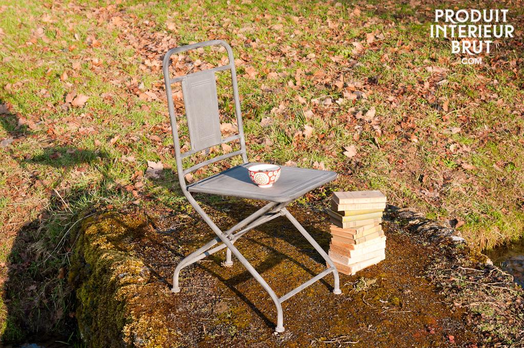 chaise pliante finition zinc pratique et confortable pib. Black Bedroom Furniture Sets. Home Design Ideas