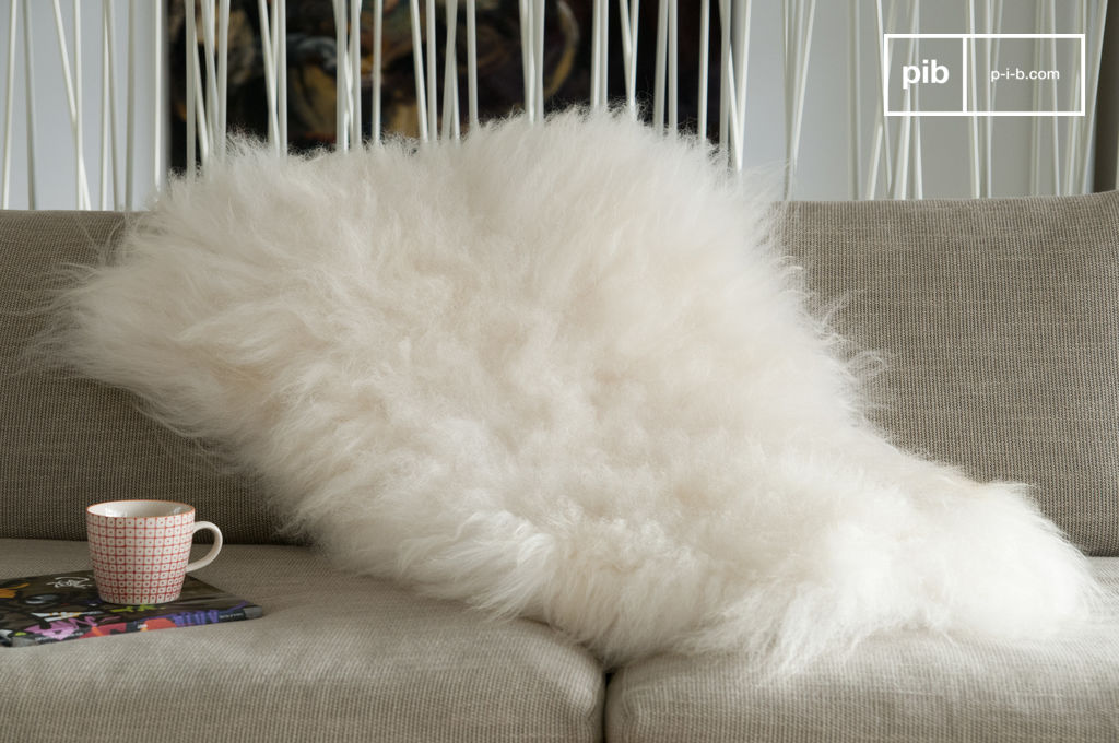 fourrure de mouton d 39 islande lumineuse douceur pib. Black Bedroom Furniture Sets. Home Design Ideas