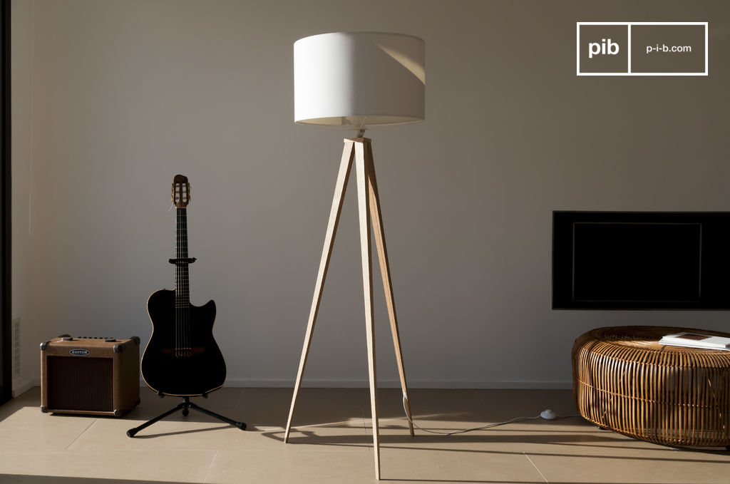 lampe tr pied kavinsk finesse et l gance pib. Black Bedroom Furniture Sets. Home Design Ideas