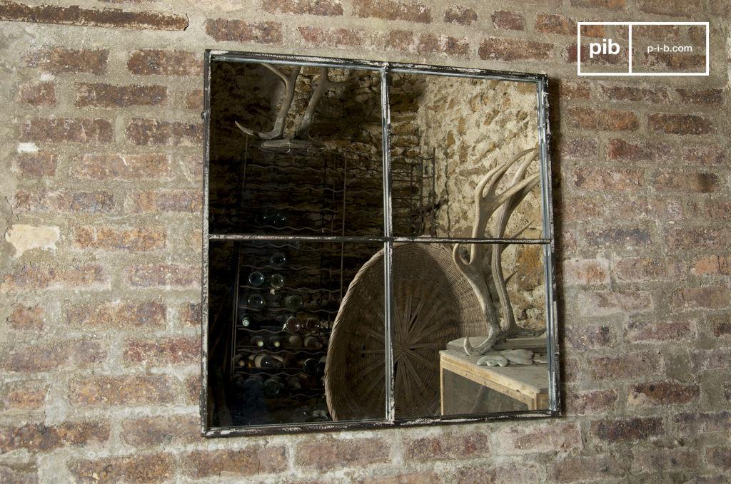Miroir carr 4 sections miroir au design industriel pib for Miroir 4 murs