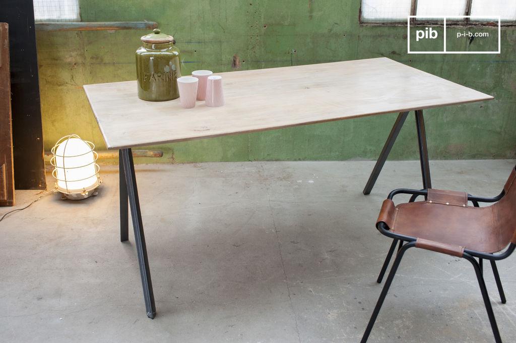 Table jetson bois de manguier et acier sombre pib for Table en metal industriel