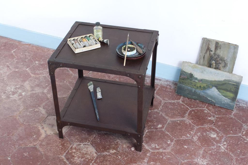 Table d 39 appoint industrielle une table 100 m tal pib - Fabriquer une table d appoint ...