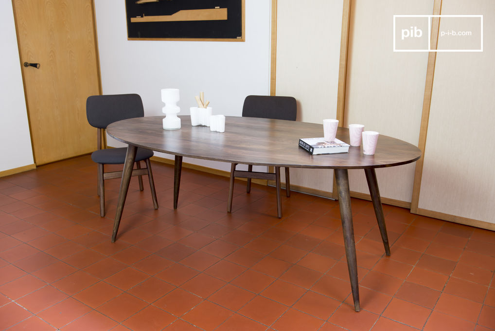 table de repas bikhatz convivialit et esprit vintage pib. Black Bedroom Furniture Sets. Home Design Ideas