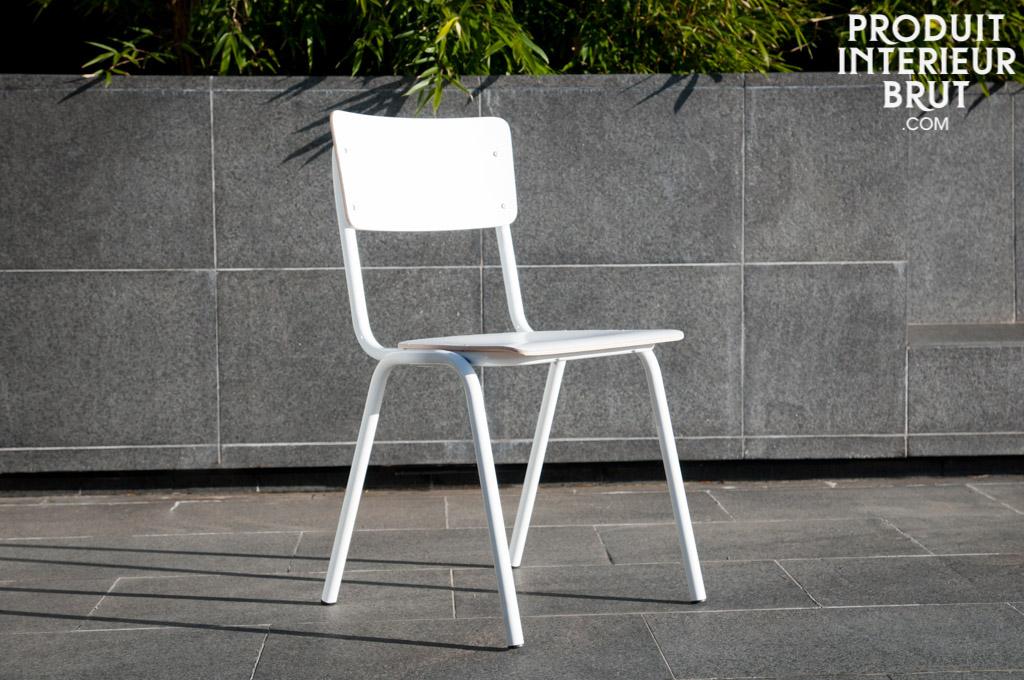 chaise vintage skole blanche style scandinave pour une d co r tro tr s tendance. Black Bedroom Furniture Sets. Home Design Ideas