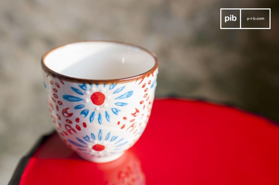 Apportez une touche de couleur romantique à votre café