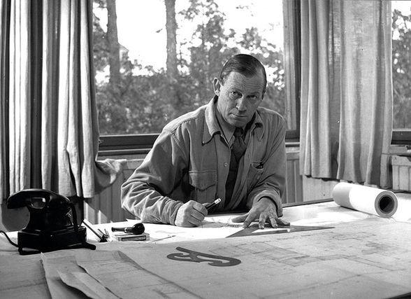 Alvar Aalto au bureau