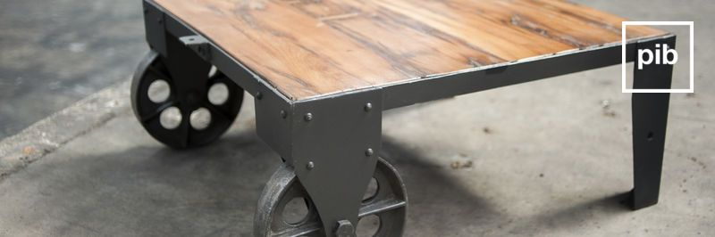 Ancienne collection de table basse industrielle
