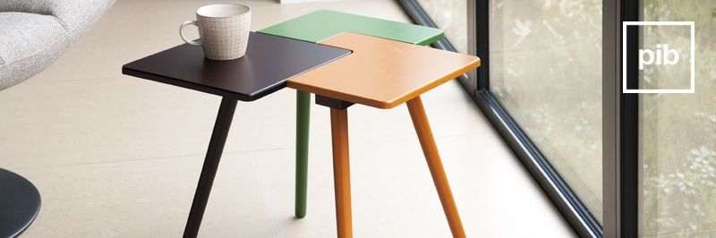 Ancienne collection de table d'appoint scandinave