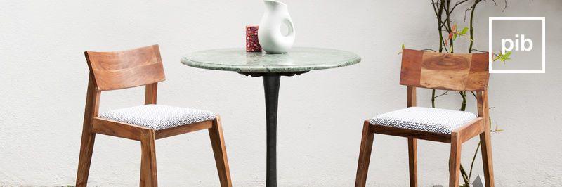 Ancienne collection de table de repas nordique