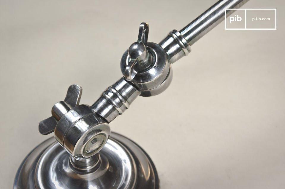 Son design s\'ancre dans la tradition industrielle