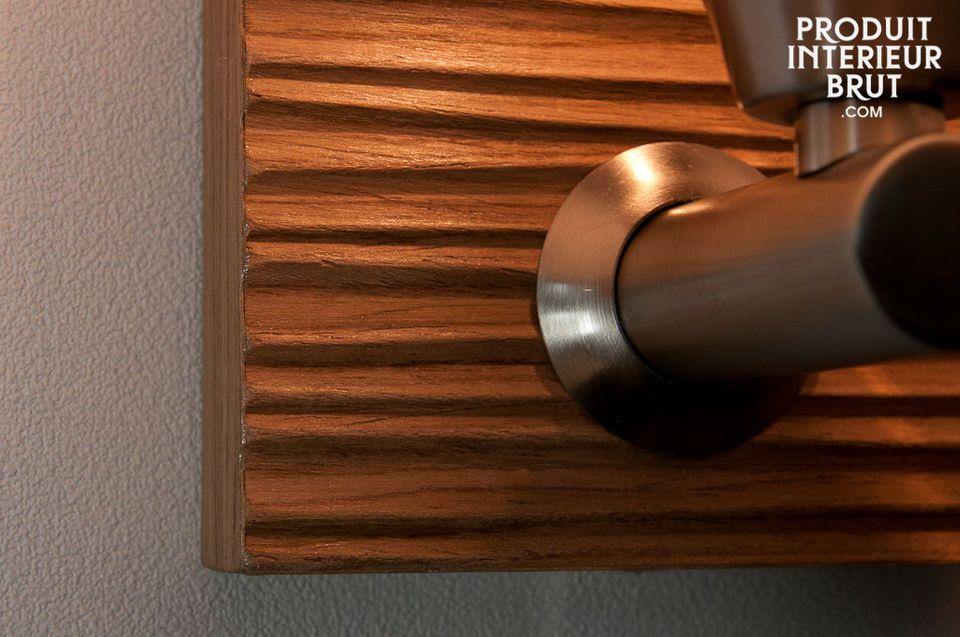 Les années 50 s\'invitent sur vos murs avec cette applique Melkior sur base de bois en finition
