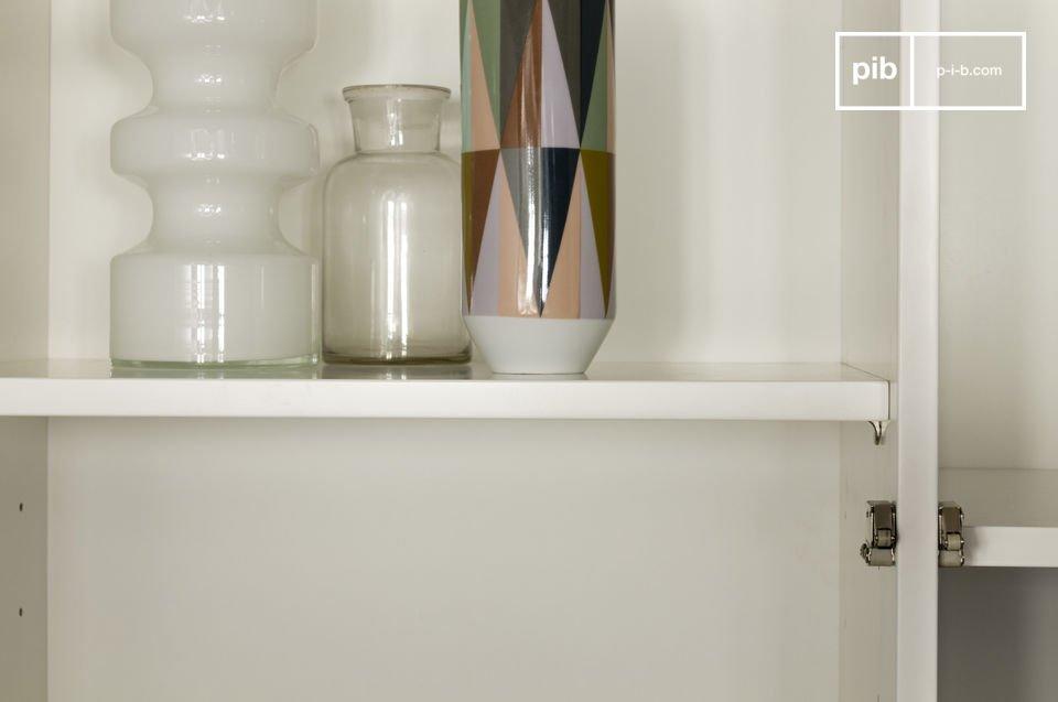 Optez pour un meuble de rangement qui associe la praticité d\'une conception moderne et