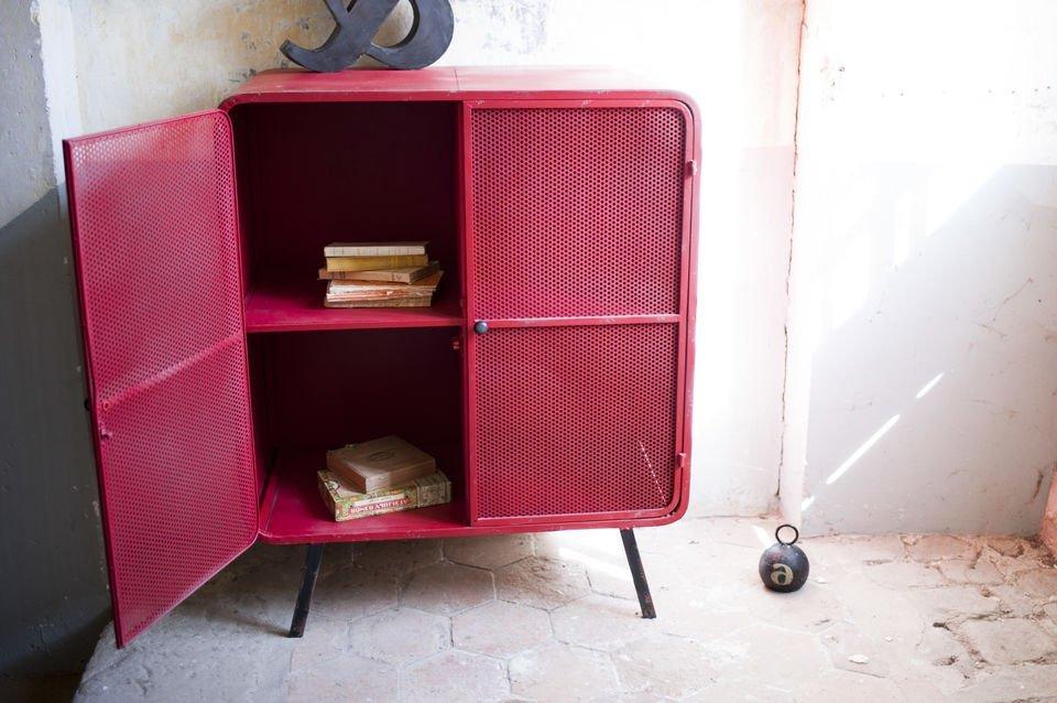 Un beau meuble  métal dans l'esprit des années 50