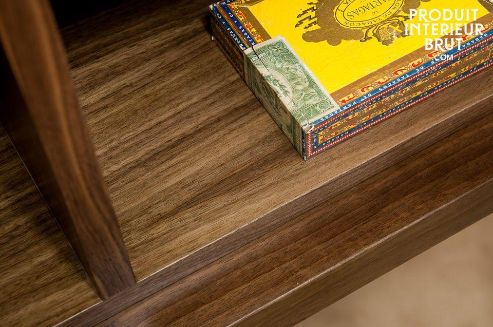 Une armoire élégante aux lignes délicieusement vintages