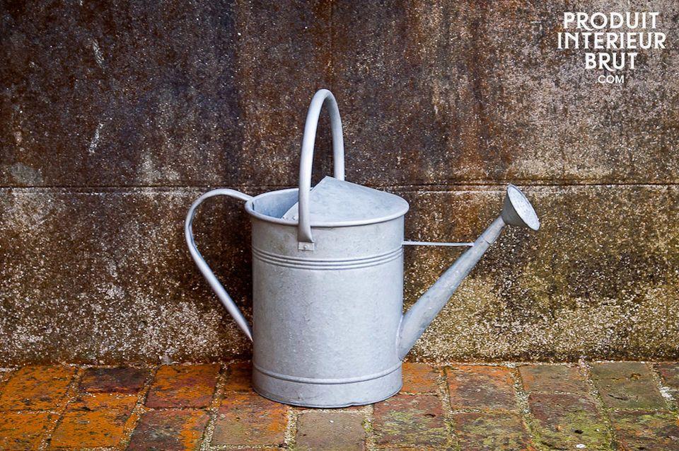 Icône de la déco rétro et outil indispensable du bon jardinier