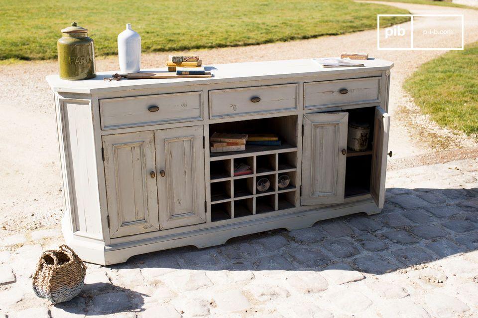 Le bahut Belleville nous rappelle les meubles que nous pouvions trouver dans des maisons de campagne