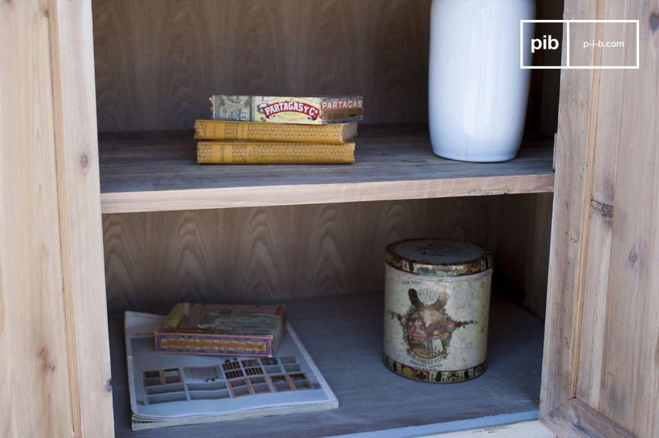 Un comptoir plein decharme à la façon des meubles vintage de magasin