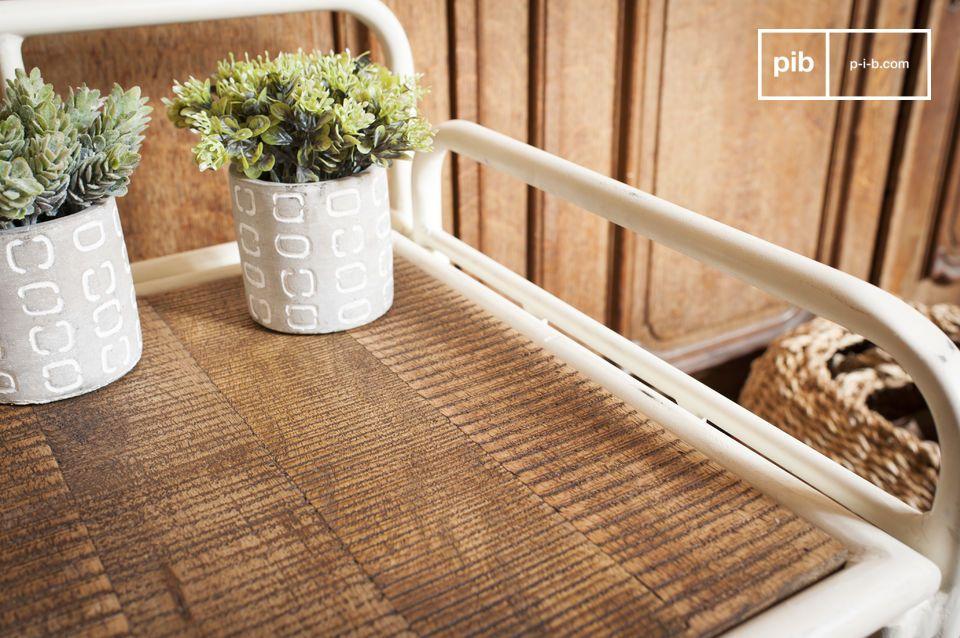 Un meuble pratique qui apporta une touche rétro à votre entrée