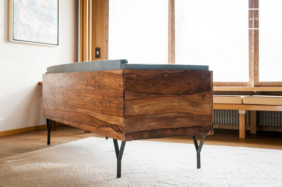 La banquette en bois Mabillon apportera un souffle scandinave vintage à la déco de votre salon ou