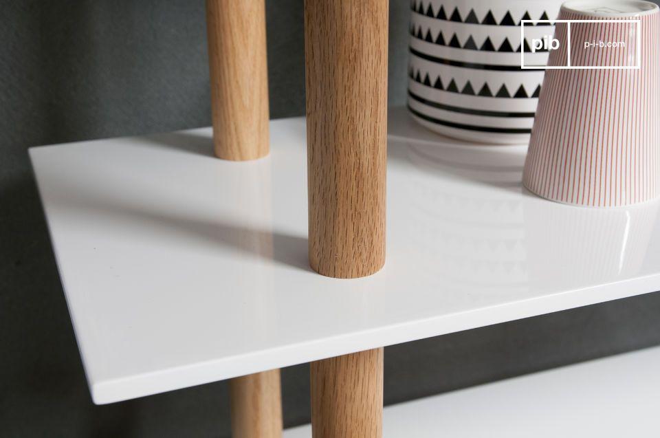 La bibliothèque Tennö est un bel exemple de meuble dans le style mobilier scandinave conférant
