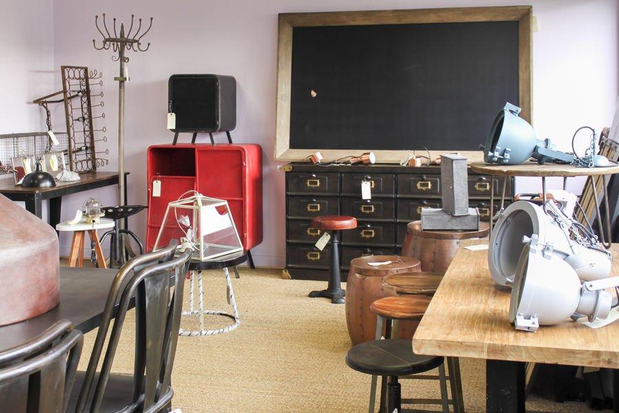 grenier de pib chaque samedi meubles et accessoires d class s. Black Bedroom Furniture Sets. Home Design Ideas