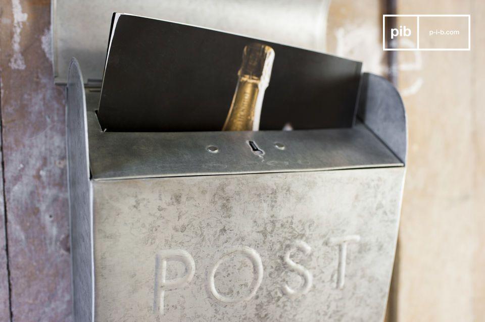 La boîte aux lettres Epistula est un petit accessoire de décoration vintage qui participera