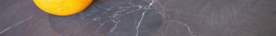 Mise en avant matière Bout de canapé en marbre noir Vilma