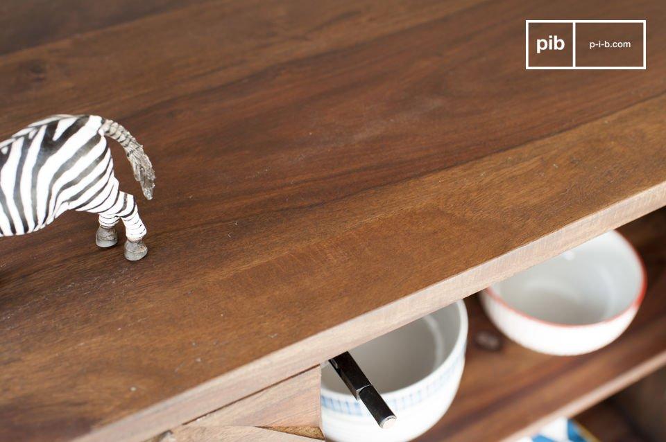 Un meuble idéal pour entreposer de la vaisselle ou d\'autres objets lourds