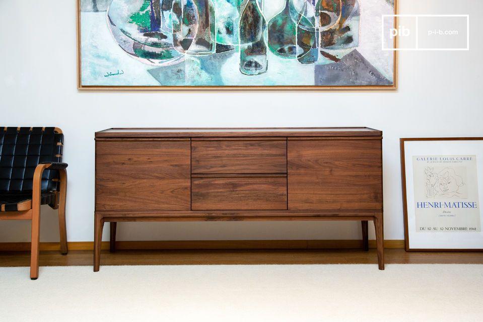 Sa forme polyvalente pourra également en faire un élégant meuble TV
