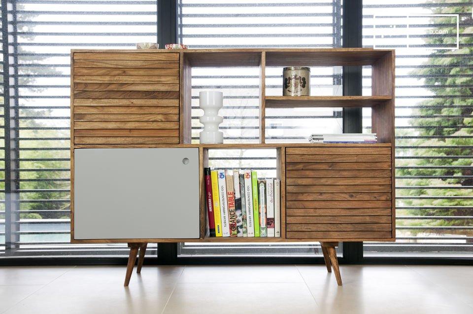 Avec un design scandinave typique des années 50, ce buffet Stockholm ajoute l\'aspect fonctionnel d\'un meuble de rangement pratique