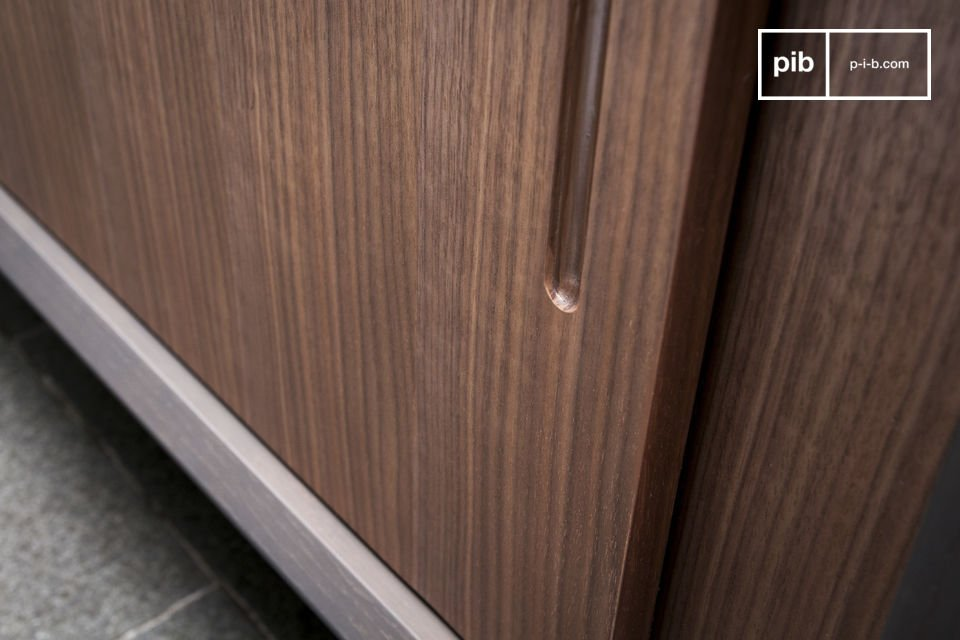 Contraste des bois et ligne issue du mobilier scandinave 50's