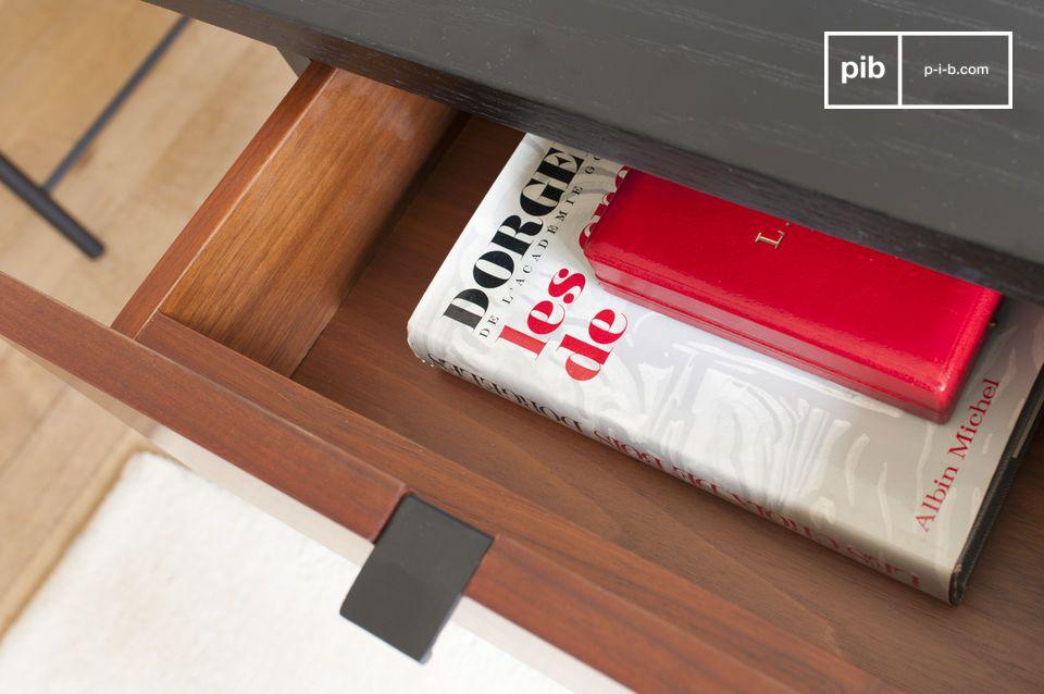 Le bureau est compsé d\'un plateau en bois noir légèrement texturé