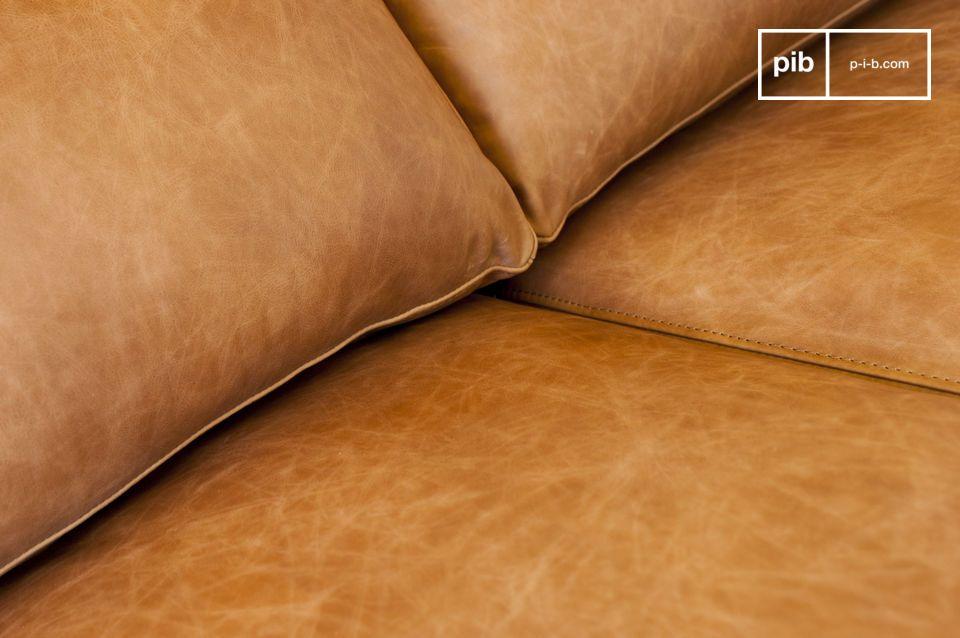 La grande ampleur de ce canapé