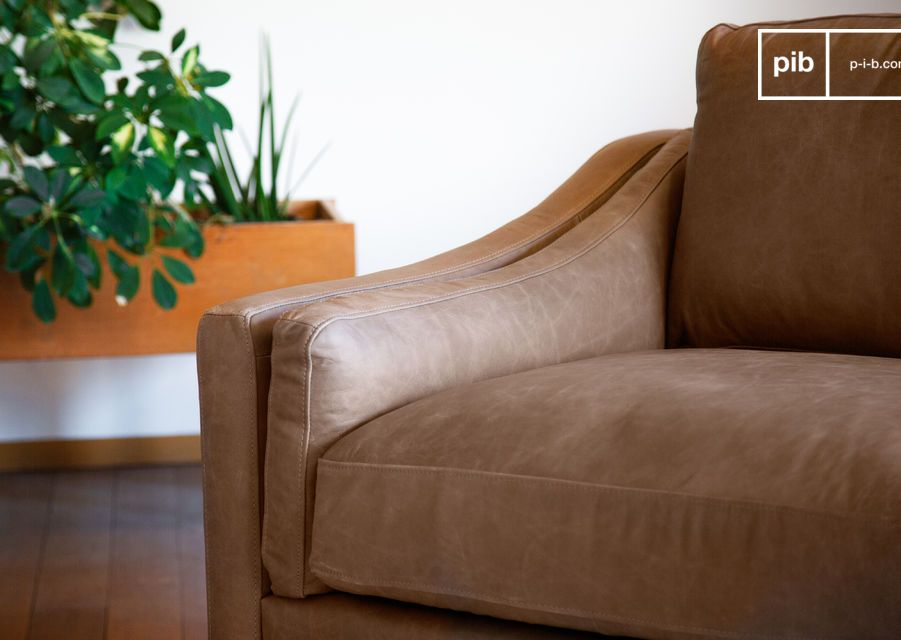 Offrant un confort incomparable grâce à ses coussins d\'assise généreusement rembourrés