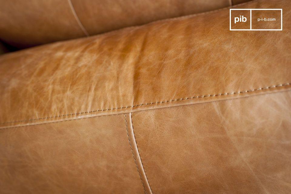 Le confort de l\'assise rembourrée et la largeur étonnante des accoudoirs vous offriront des