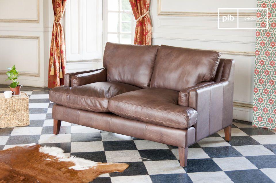 Un canapé 2 places en cuir pleine fleur intemporel