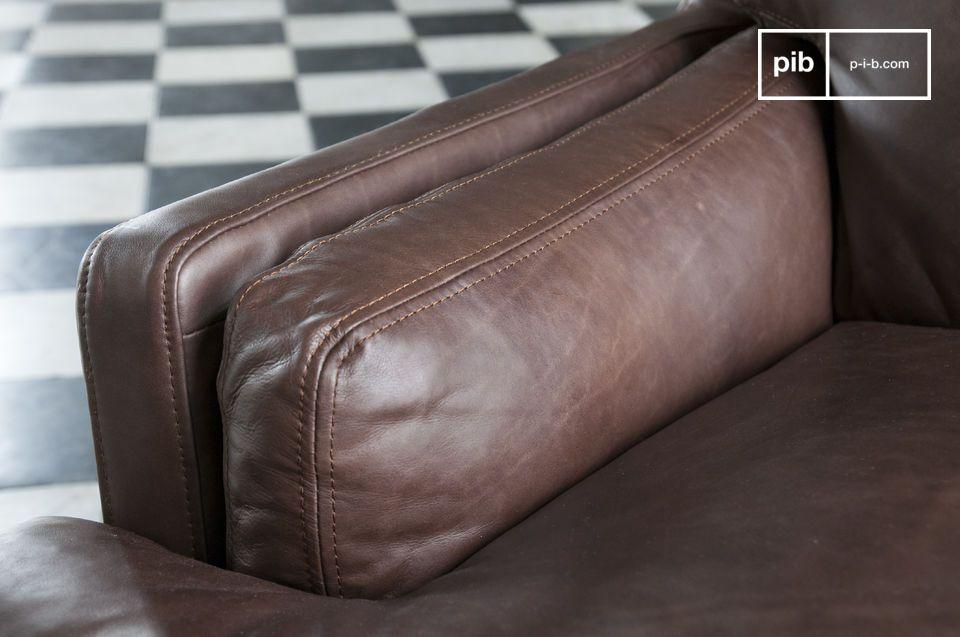 L\'assise est déhoussable afin d\'en faciliter l\'entretien