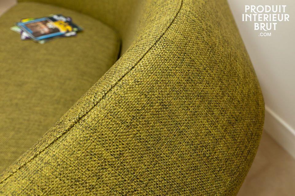 Un canapé assurément vintage, aux courbes revisitées