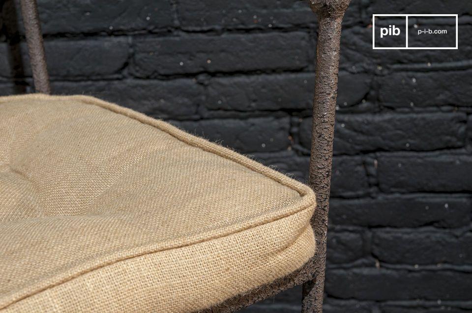 Finition texturée et assise confortable