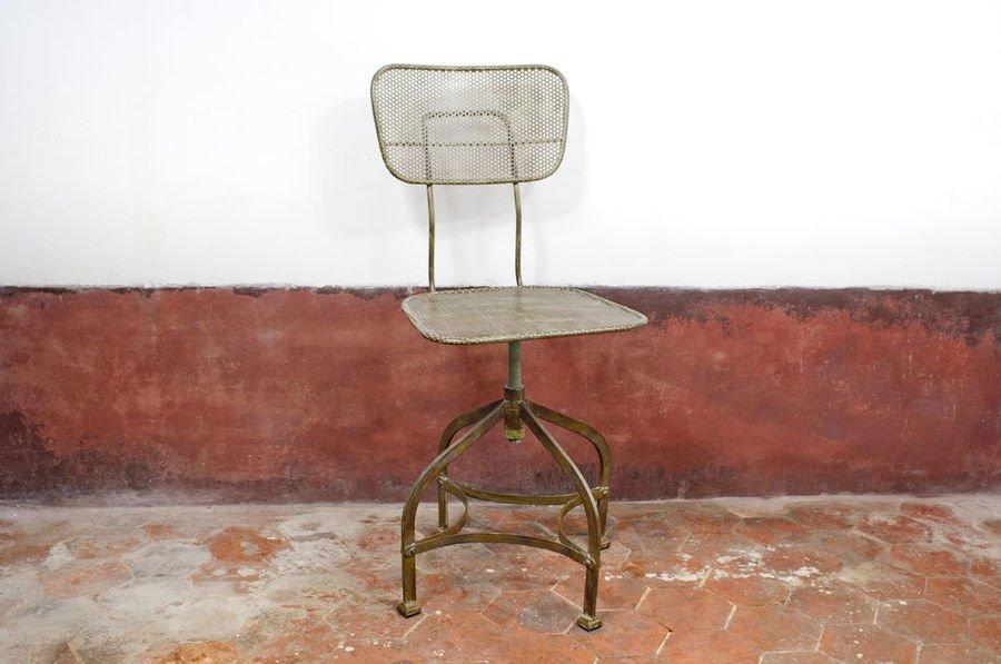 Chaise D'Atelier En Tôle Perforée