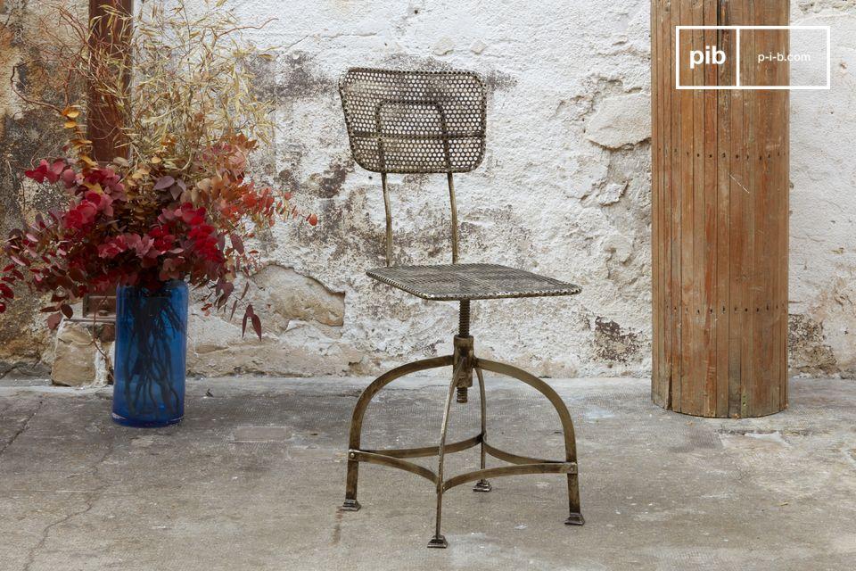 Une chaise au design industriel et au style rétro