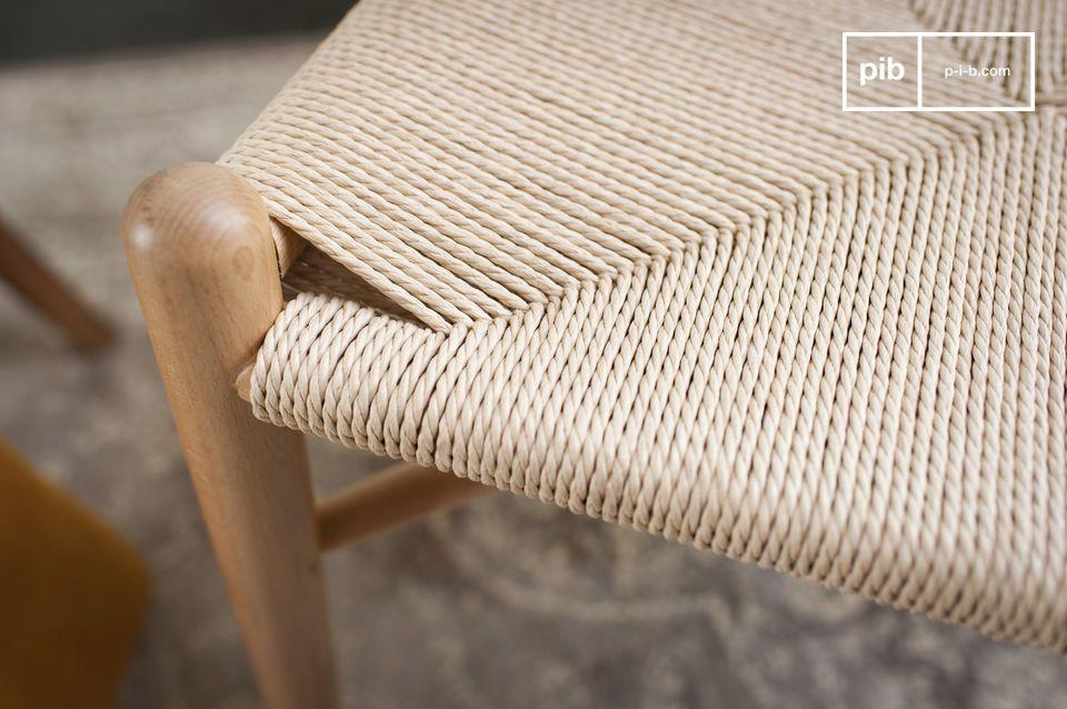 Un design épuré tout en douceur et du bois verni