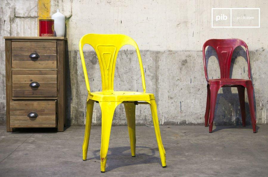 Chaise Multipl's jaune vieilli
