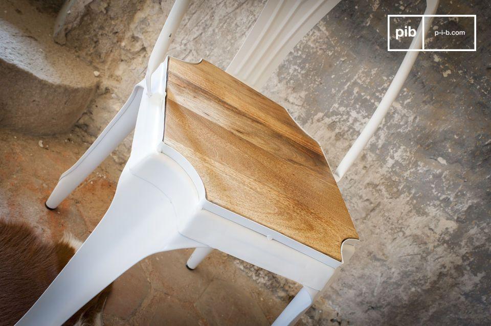 Délicieuse association bois - métal blanc