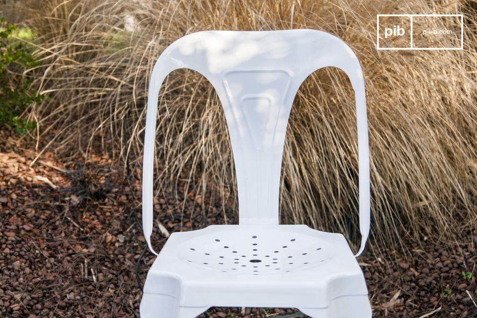 Cette chaise associe le style industriel rétro du dessin original de Joseph Mathieu dans les